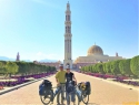 Mošeja Sultan Qabus- žal preminul en dan pred najinim prihodom, izredno priljubljeni vladar.