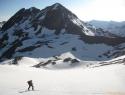 Zadaj za Schwarhornom na Ankoglov ledenik.