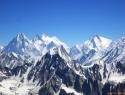Skupina Gasherbrumov izpod vrha Cathedral Peaka, od G4 do G1 na desni.1