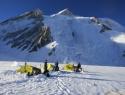 Gasherbrum II, 8035 m, tabor 1, 5900 m.