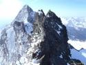 Vrh Glocknerwanda 3721m, zadaj levo Veliki Klek.