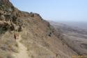 Samostan David Gareja, desno puščava Azerbajdžana.