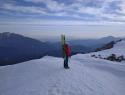 Na vrhu Laneža - pogled proti dolini med Uršljo in Peco.