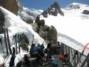 Popoldansko martinčkanje pred kočo Grand Mulets (3051m).