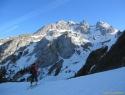 Monte Coglians (Hohe Warte) v sredini.