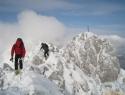 Po grebenu nazaj z vrha Svačice (1953m).
