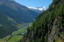 Pogled proti dvojčkoma in Breithornu, spodaj Tasch.